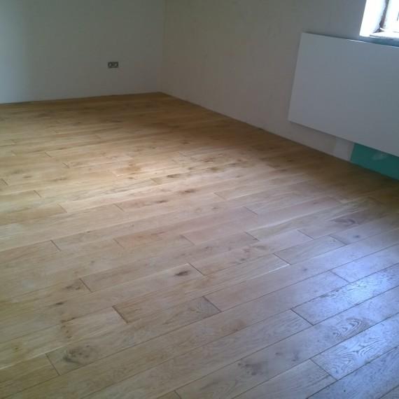 Dielenboden auf einer Holzunterkonstruktion
